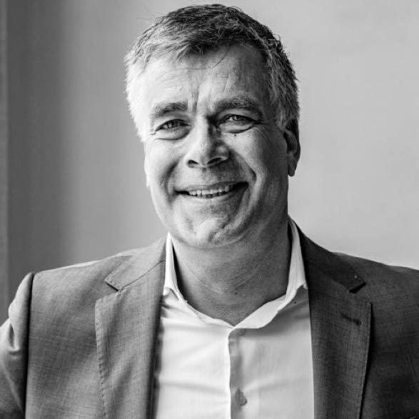 https://www.oreq.nl/wp-content/uploads/2020/04/Profielfoto-Patrick-Schoester-website.001.png